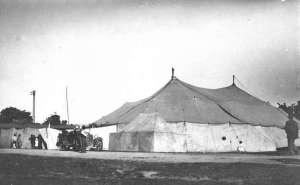 Imagen ilustrativa de un circo en 1925. Ese mismo año un juego de Segunda División en Costa Rica no se pudo jugar por estar ocupada la Plaza Iglesias en Alajuela por esta actividad.