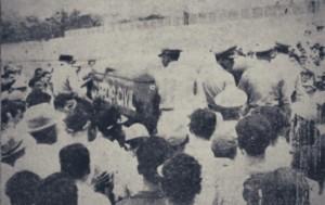 En esta unidad de la Comandancia de Heredia debió abandonar el estadio el trío arbitral, el domingo 14 de marzo de 1954.